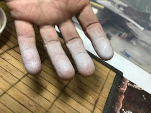 paint cleanup on fingers